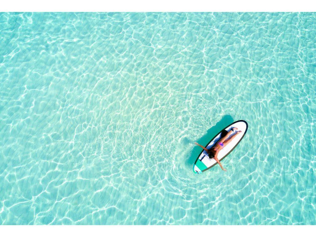 relax-calma-paz-interior-agua-mar-oceano-agua-cristalina-islas-maldivas-maldives